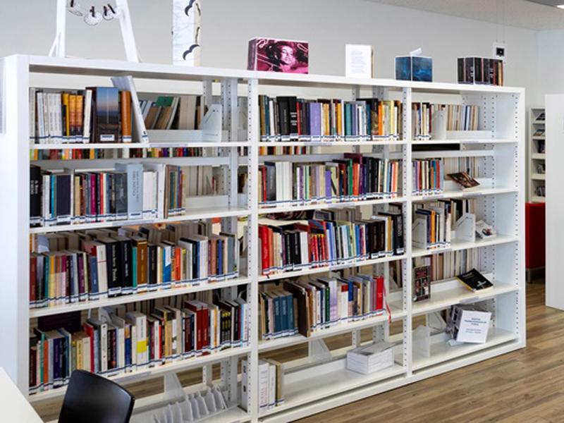 Loures lança serviço de empréstimo de livros ao domicílio