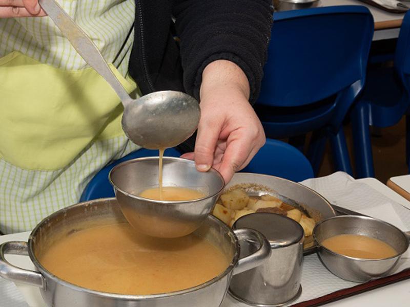 Loures alarga entrega de refeições aos alunos do escalão B