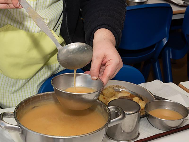 Câmara garante refeições a alunos do escalão A e B e aos filhos dos profissionais de serviços essenciais